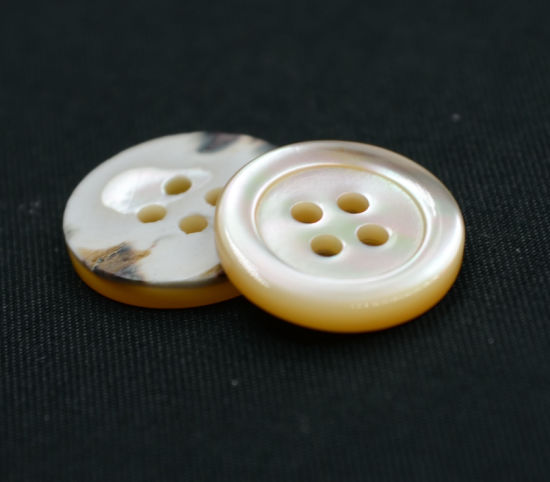 4 Holes New Design Natural Button (T-003)